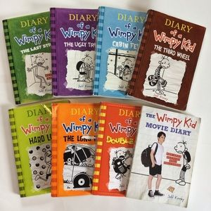 $30 bundle item💐 8 Diary of a Wimpy Kid books